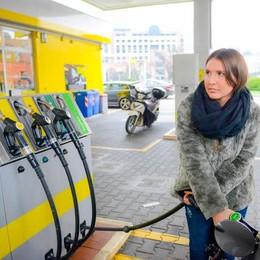 Diesel, via allo sconto di 8 centesimi  E quello sulla benzina sale a 23