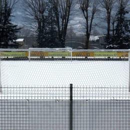 Calcio e neve, Como sospende i campionati