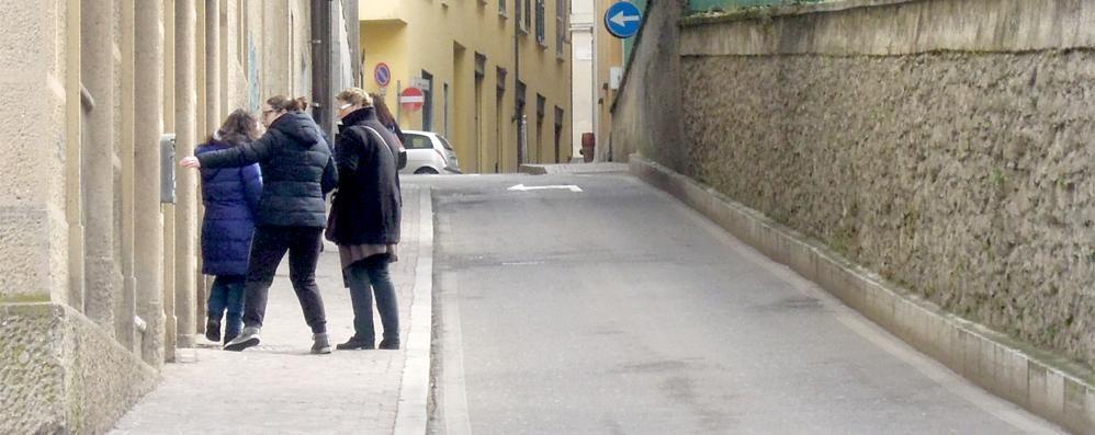 Cantù: «Scale mobili   per aiutare gli anziani»