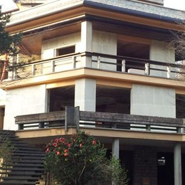 Villa Craxi in vendita  Per 2 milioni di euro