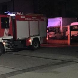 Trapeiros nel mirino di un piromane  Con la benzina ha incendiato un furgone