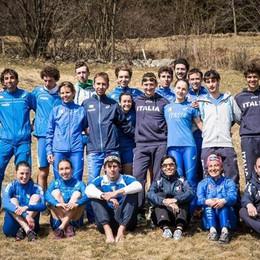 Corsa in montagna 4 comaschi in azzurro