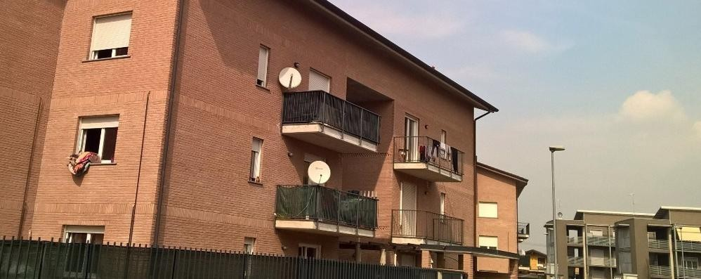 Il costruttore rivuole la palazzina  Sedici famiglie rischiano lo sfratto