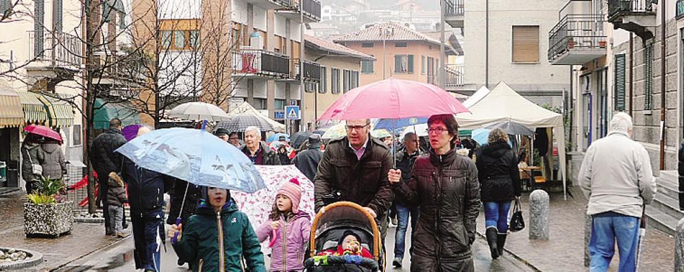 La sagra di S. Giuseppe piace agli svizzeri  In settemila a Uggiate Trevano