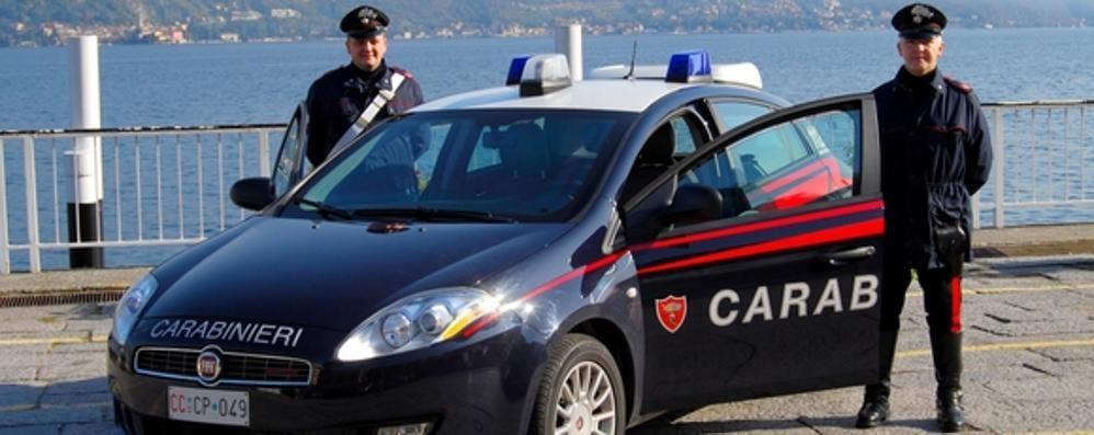Ruba un'auto a Dongo  Presa dai carabinieri