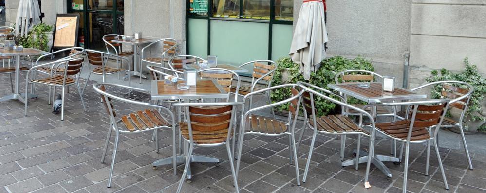 Tasse sui tavolini, le nuove tariffe slittano al 2016