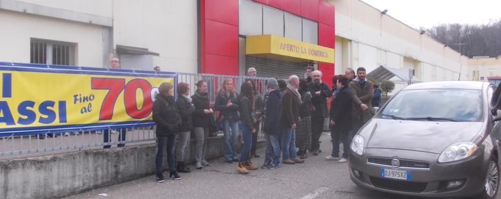 Mercatone, continua lo sciopero  contro la chiusura del negozio