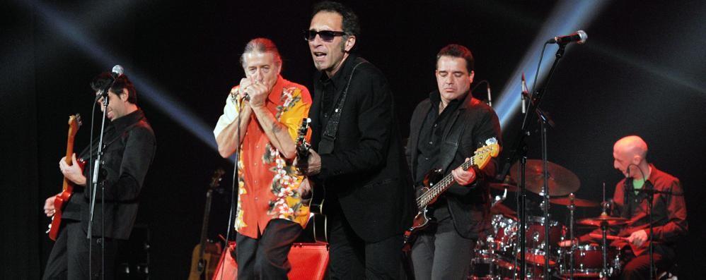 Bomba di adrenalina  La Treves blues band  infiamma gli erbesi