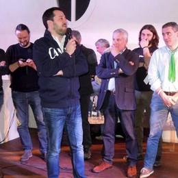 Novedrate, in 500 per Salvini  E lui attacca Renzi con la troika