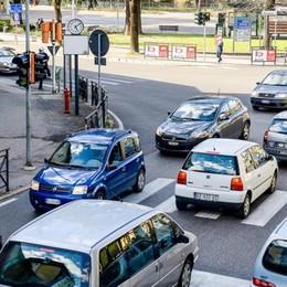 """Traffico da spostare fuori dal centro  Ma la """"Fino Via"""" finisce ancora ai box"""