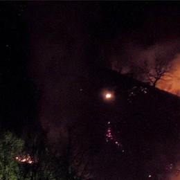 A fuoco un altro bosco    Incendio sul Crocione