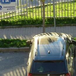 """«San Fermo, io il fustigatore dei """"furbetti""""  che rubano il posto auto ai disabili»"""
