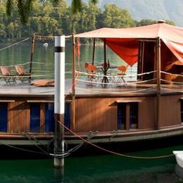 La superbarca cerca fondi  Appello dal lago a Milano