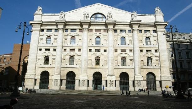 Borsa Milano chiude in rialzo, +0,32%