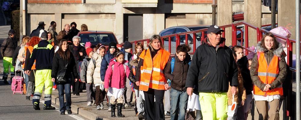 Pedibus, sessanta bambini  «Ma ci vuole più sicurezza»