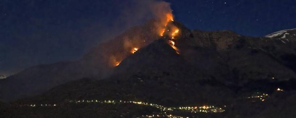Eupilio, spento l'incendio sul Cornizzolo