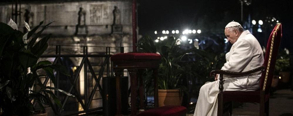Cristiani uccisi, il Papa: «Silenzio complice»