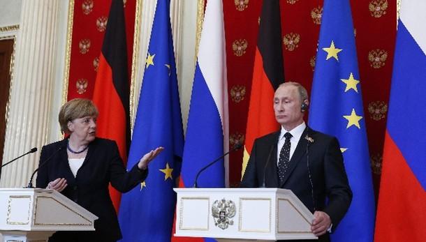 Merkel, qui per lavorare con Russia