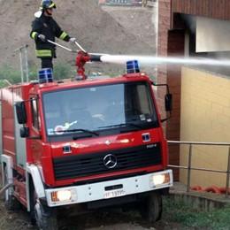 Incendio a San Siro, rimane ustionato