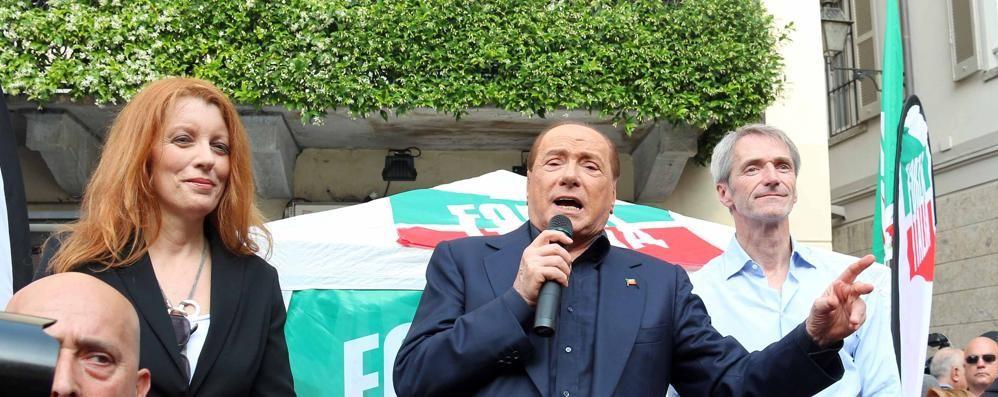 Cerca di avvicinare Berlusconi  Bloccato un uomo  a Saronno