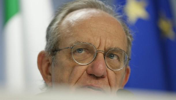 Pensioni: Padoan, evitata infrazione Ue