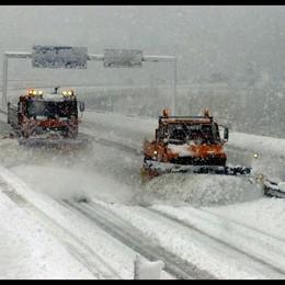 Neve al Brennero, tir bloccati