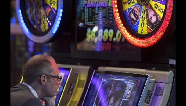 Colpo a Re slot machine,sigilli a 50 mln