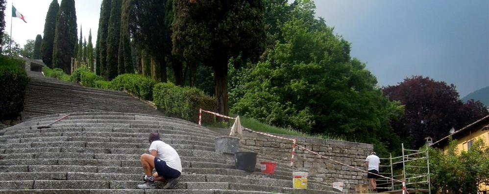 Terragni rimesso a nuovo per Expo  Erba sistema il monumento ai Caduti