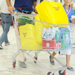 Una spesa record all'Esselunga  Comprano champagne per 10 mila euro