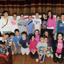 Como teatro Sociale premiazione Cartolandia 2015, scuola primaria di Pianello del Lario primo gruppo