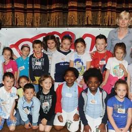 Como teatro Sociale premiazione Cartolandia 2015, scuola elementare Anna Vertua Gentile di Dongo primo gruppo