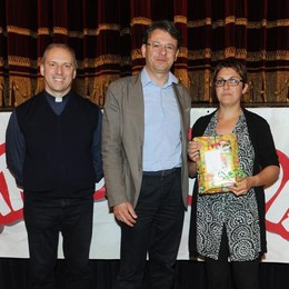 Como teatro Sociale premiazione Cartolandia 2015, scuola d'infanzia di San Siro
