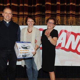 Como teatro Sociale premiazione Cartolandia 2015, scuola primaria F.Anzani di Alzate Brianza