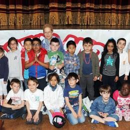 Como teatro Sociale premiazione Cartolandia 2015, scuola primaria Severino Gobbi di Como primo gruppo