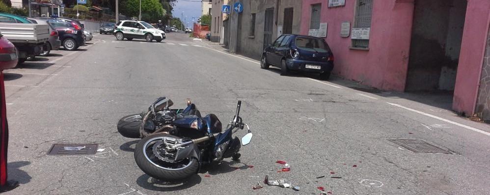 Olgiate, scontro in Garibaldina  Motociclista in ospedale