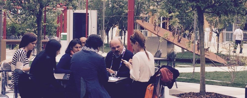 A Expo Farinetti tifa Como  E dall'acqua orgoglio lariano
