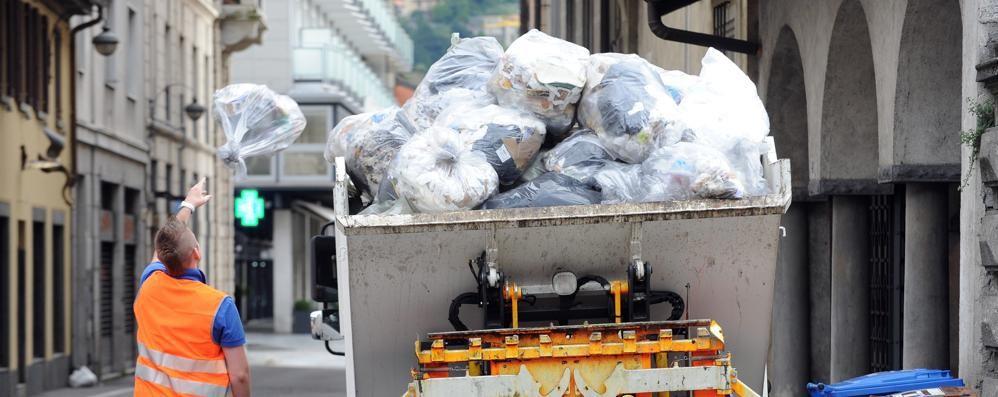 Raccolta differenziata  Via al ritiro gratuito  di 40mila kit di sacchi