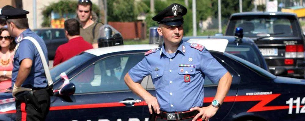 Rubano abiti firmati per duemila euro  I carabinieri arrestano due studentesse