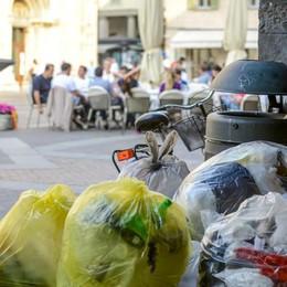 «Basta aumenti di tasse»  I commercianti contro Lucini