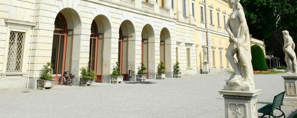 Villa Olmo, salone inagibile dopo il crollo