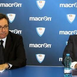 Cantùsceglie Macron Stesso sponsor del Napoli