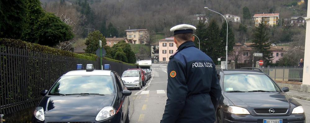 Campione, il vigile  denuncia i carabinieri
