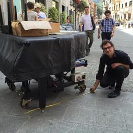 Il pianista multato: «Non vengo più»   Il sondaggio: dite la vostra