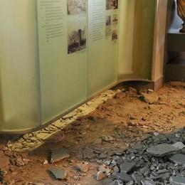 Tempio Voltiano ancora dimezzato   a un anno dal crollo del soffitto