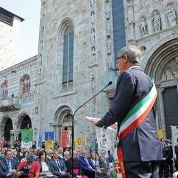Como piazza Duomo Festa della Repubblica