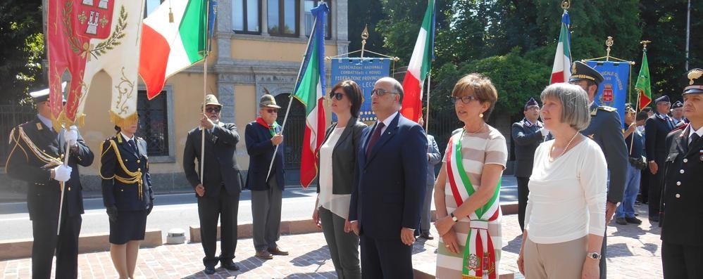 Inaugurata piazza Italia a Olgiate  «Termina un'attesa durata anni»