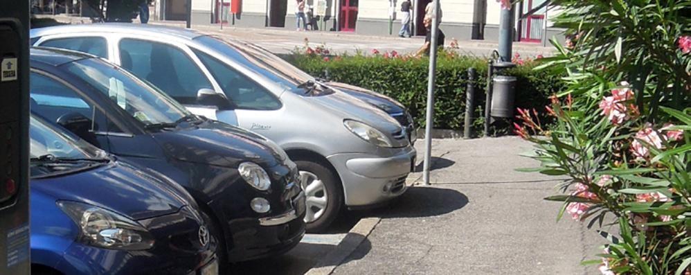 Erba shopping meno caro  Trenta minuti in più  di parcheggio gratis