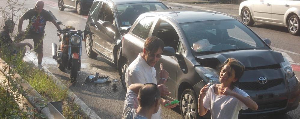 Tamponamento a Tavernerio  Disagi  al traffico