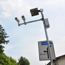 Dieci telecamere a Capiago  Vedono chi entra e chi esce