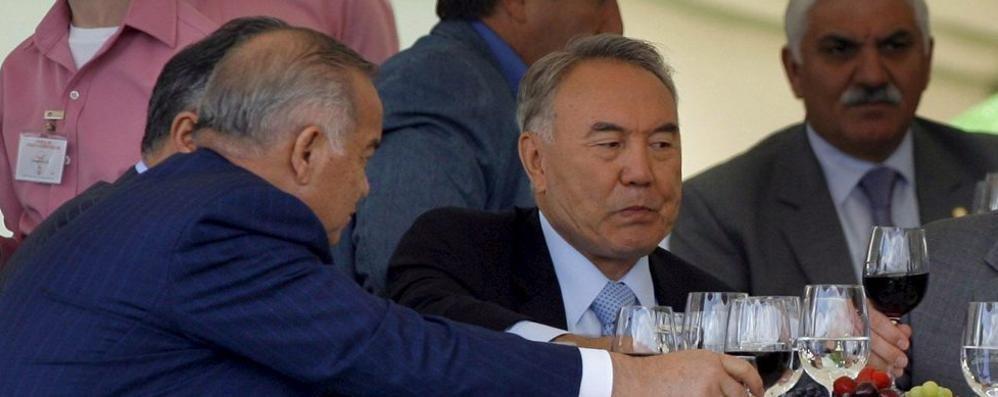Il presidente kazako in città Shopping e visita in Duomo